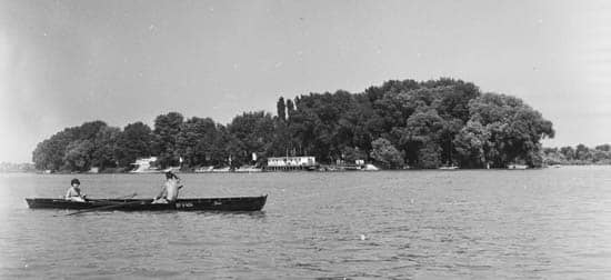Вид на остров Луппа с Дуная